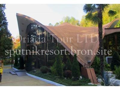 Отель  «ALEAN FAMILY RESORT & SPA SPUTNIK / Спутник Сочи»   - территория, внешний вид