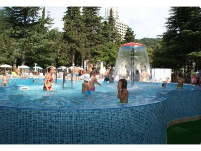 Отель  «ALEAN FAMILY RESORT & SPA SPUTNIK / Спутник Сочи»  ,  бассейн